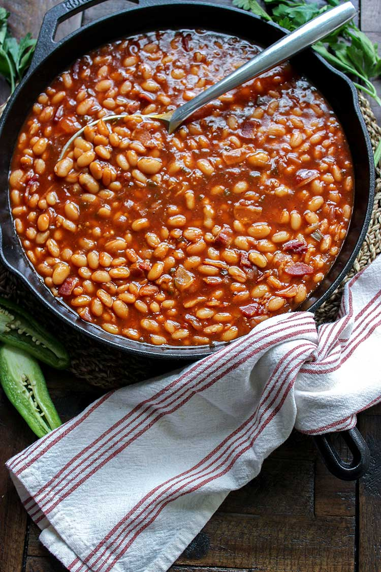 baked beans in pot on grill