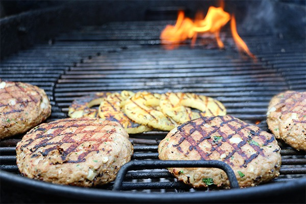 grilled pineapple and grilled turkey burgers