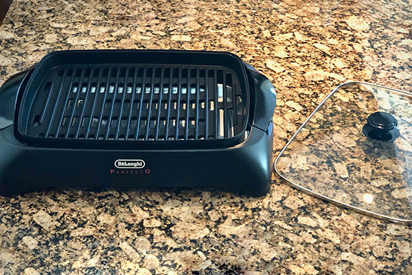 Delonghi Perfecto Indoor Grill ready for cooking