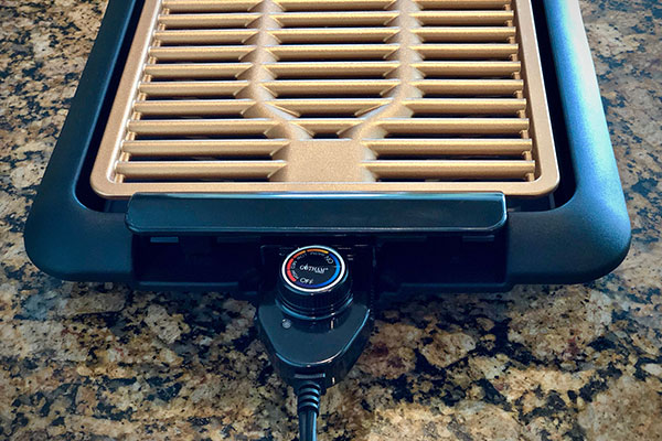 Temperature knob on Gotham Electric Grill