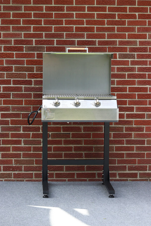 Space Grill on Stand