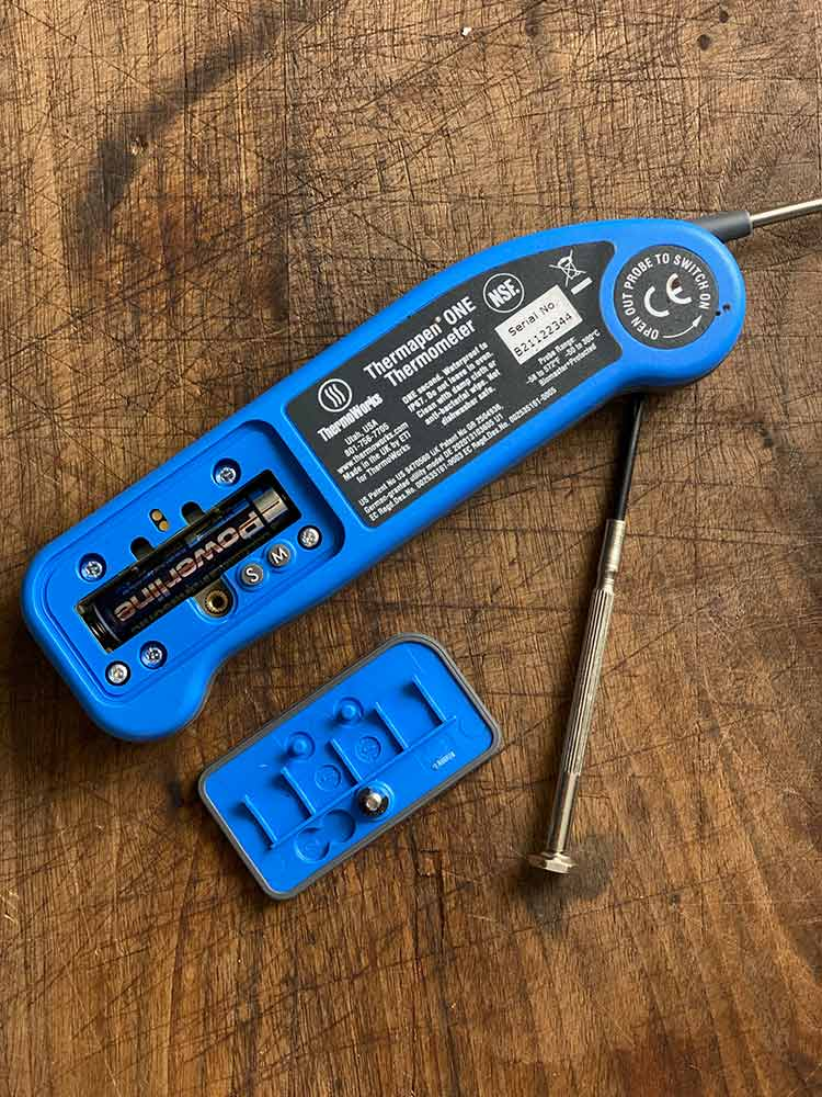 It's easy to remove cover of Thermapen One battery compartment and customize user settings
